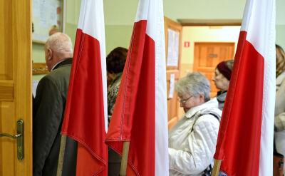 Frekwencja w wyborach samorządowych do południa: 15.62 procent
