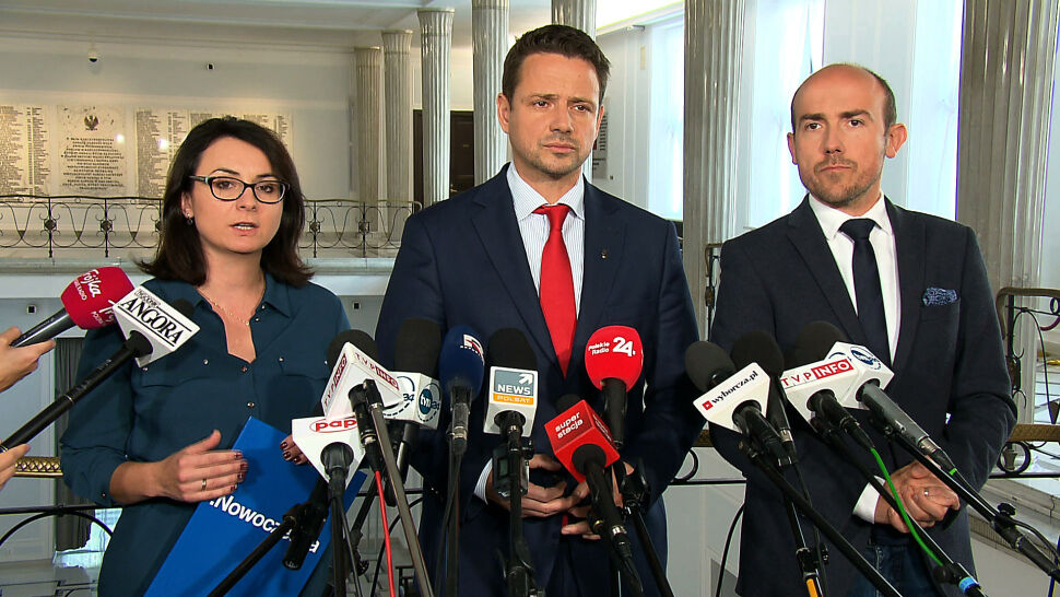 """""""To wypchnięcie Polski z Unii Europejskiej"""". Politycy komentują wniosek Ziobry"""