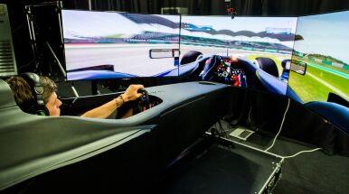 Blajer bezkonkurencyjny na Silverstone w drugiej odsłonie Audi Eurosport eRacing