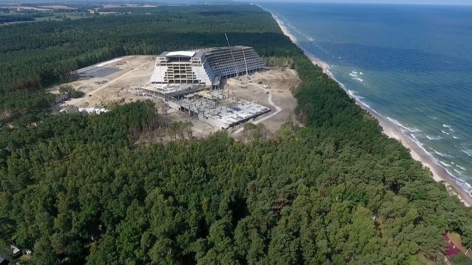 12 kondygnacji, 1100 pokoi. Hotel gigant, który powstaje nad Bałtykiem budzi kontrowersje