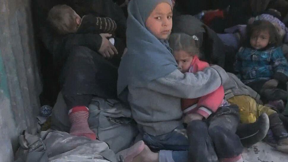 """""""Setki osób mogą zostać użyte jako ludzkie tarcze"""". Ewakuacja przed walkami o ostatni bastion IS"""