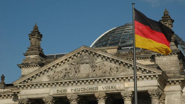 Niemiecka prasa: era Merkel trwa