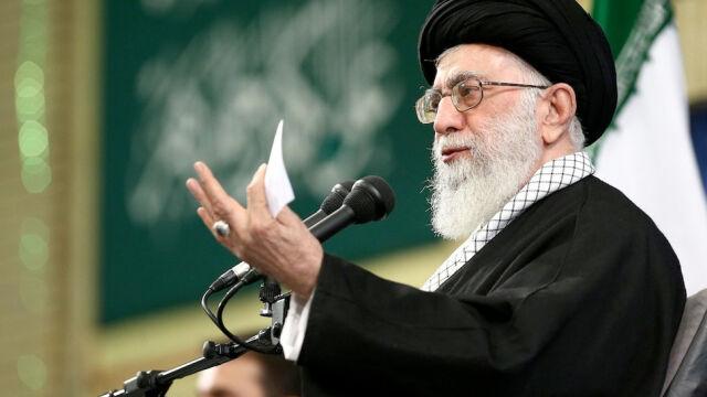 Chamenei: produkcja i posiadanie broni atomowej jest złe, jej użycie jest