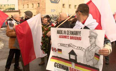 Antysemickie hasła przed bramą Auschwitz. Szokujący marsz narodowców