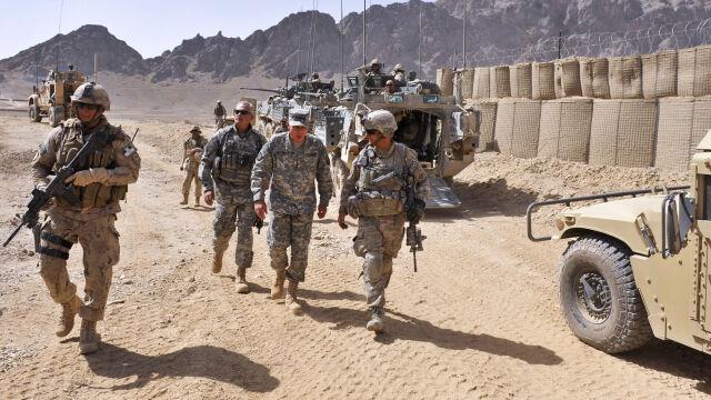 """Niezapowiedziana wizyta szefa Pentagonu w Kabulu. """"Nie mam poleceń wycofania wojsk"""""""