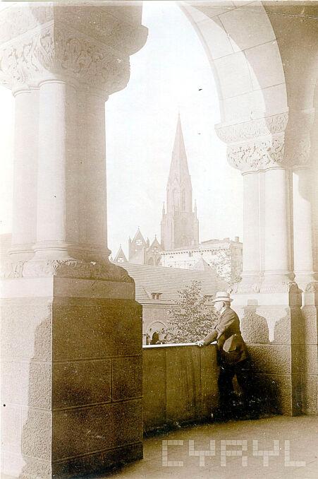 Magazyn przybylski | Widok z krużganków zamku w kierunku kościoła Św. Pawła