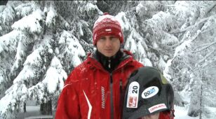Nie wie co to upadki, nie boi się prędkości, pędzi 230 km/h na na nartach
