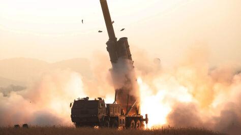 """""""Udany test o wielkim znaczeniu"""". Pjongjang wystrzelił kolejną rakietę"""