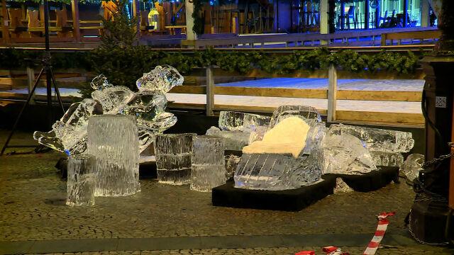 Fragment lodowej rzeźby spadł  na dziecko. Zmarło w drodze do szpitala