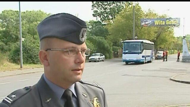 Zmarłych pilotów wspomina ich kolega, mjr Wiesław Grzegorzewski, rzecznik sił powietrznych