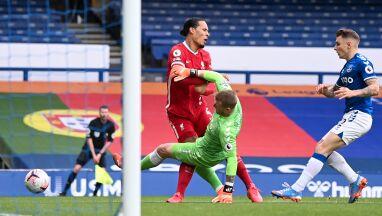 Sędzia skrzywdził Liverpool i przyznał się do błędu.