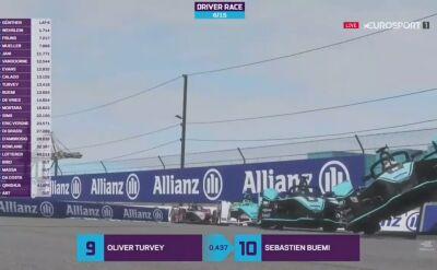 Wypadek Mitcha Evansa w drugim wyścigu Formuła E Race At Home Challenge