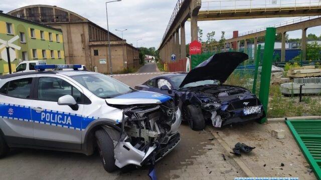 Próbował przejechać policjantkę, staranował radiowóz. Był pod wpływem narkotyków
