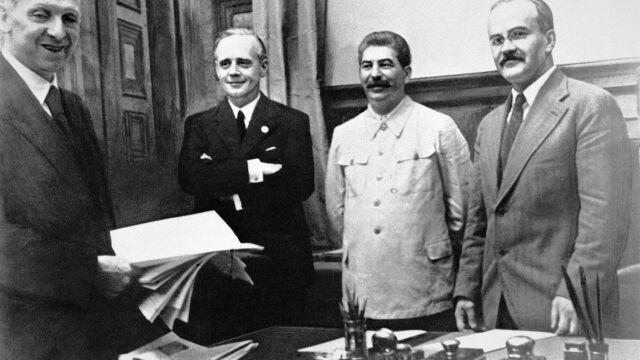 Szef rosyjskiego wywiadu broni paktu Stalina  z Hitlerem, krytykuje