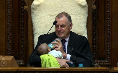 Spiker parlamentu karmił dziecko w czasie obrad