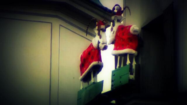 Poznańskie koziołki w świątecznych strojach