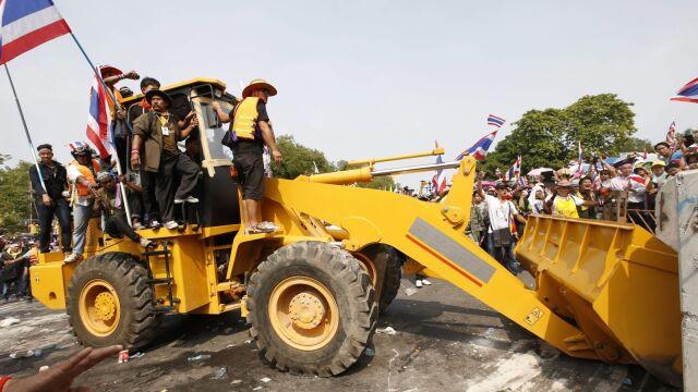 Tajlandia: Demonstranci sforsowali ogrodzenie siedziby rządu