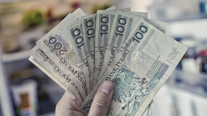 Polacy zarabiają coraz lepiej. Przeciętne wynagrodzenie w górę