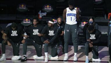 Koszykarz NBA nie ukląkł do hymnu.