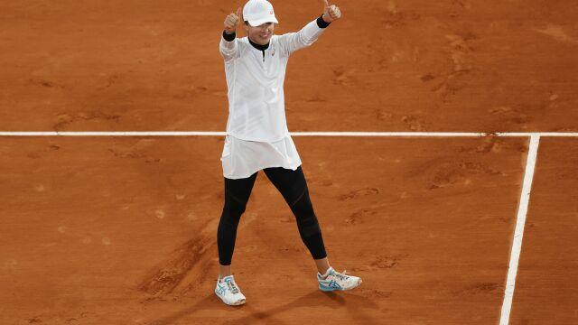 Paryski sen Świątek wciąż trwa. Wspaniała Polka w półfinale French Open