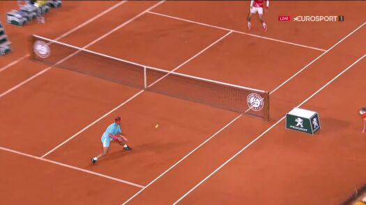 Rewelacyjna gra Nadala. Hiszpan po raz drugi przełamał Djokovicia w 2. secie finału