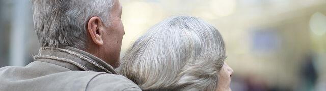 Podwyżki i trzynastki dla emerytów. Rząd pokazuje projekty