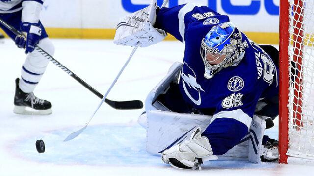 Wrócił po kontuzji, obronił 48 strzałów. Wasilewski bohaterem w NHL
