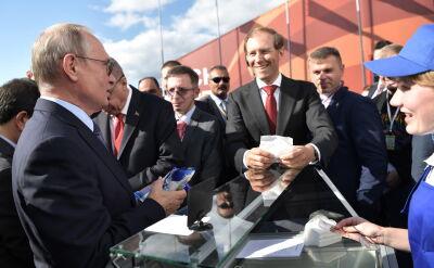 Prezydenci Rosji i Turcji na targach lotniczych pod Moskwą