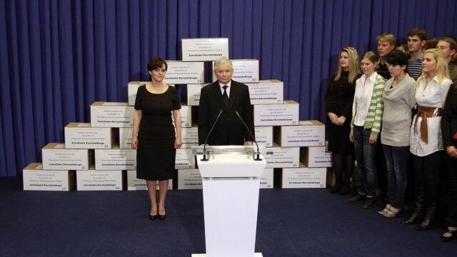 1 mln 700 tys. podpisów. Sztab Kaczyńskiego złożył listy w PKW