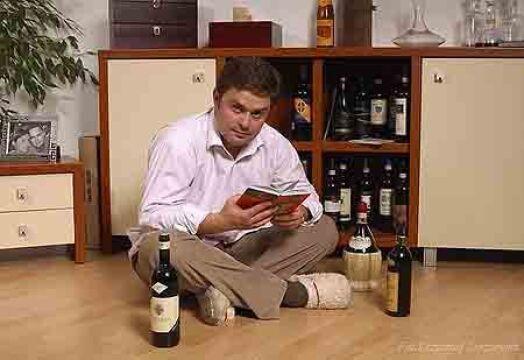 Adam Hofman znawca wina