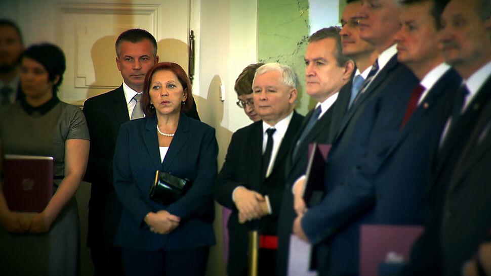 """""""Absolutnie najważniejsza kobieta PiS"""". Najbliższa prezesowi, była sekretarka elit PRL"""