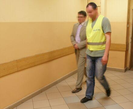 Zatrzymany 36-letni Arkadiusz S. trafił w poniedziałek do policyjnego aresztu