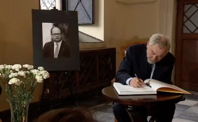 Księga kondolencyjna od piątku w urzędzie miejskim w Krakowie