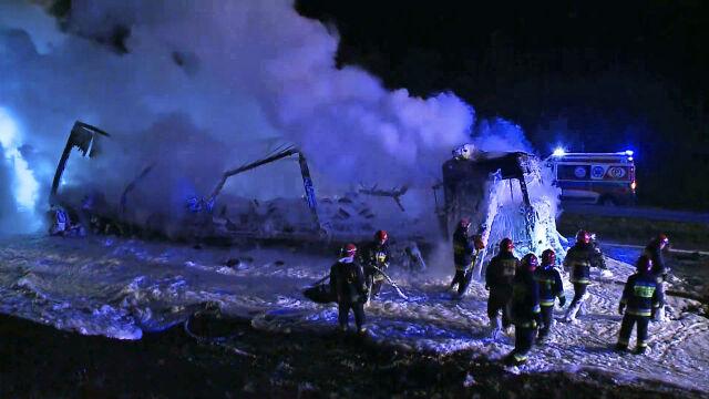 Pod spaloną ciężarówką znaleźli wrak z ciałami w środku. Akt oskarżenia w sprawie karambolu