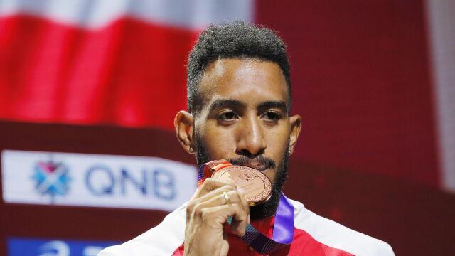 Poskutkował dopiero trzeci protest. Pokrzywdzony Hiszpan dostał medal