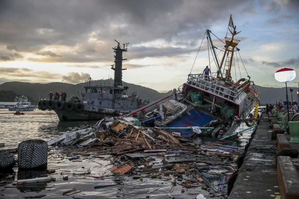 Operacja ratownicza po zawaleniu się mostu na Tajwanie