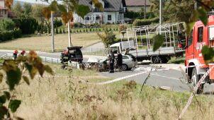Ich samochód zderzył się z ciężarówką, nie żyje dwóch 18-latków