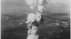 Kłęby dymu 6 kilometrów ponad Hieroshimą
