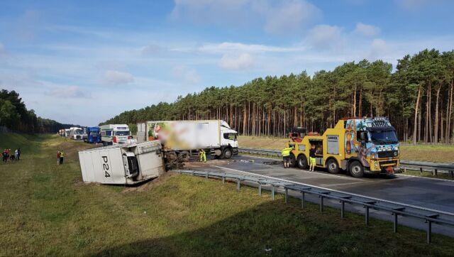 Ciężarówka blokuje autostradę A2. Nitka do Poznania nieprzejezdna