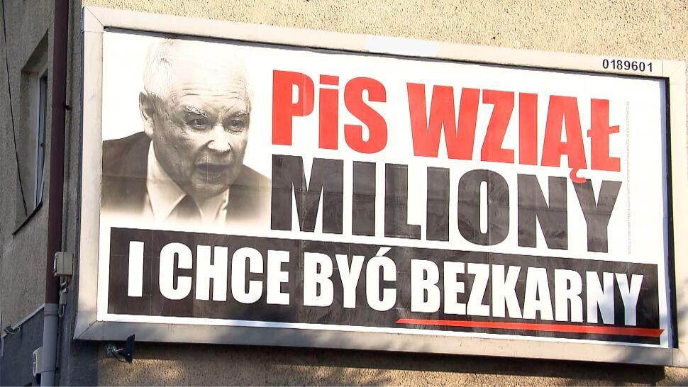 Plakaty Z Hasłami Pis Wziął Miliony Kampania Po Przeciw Pis