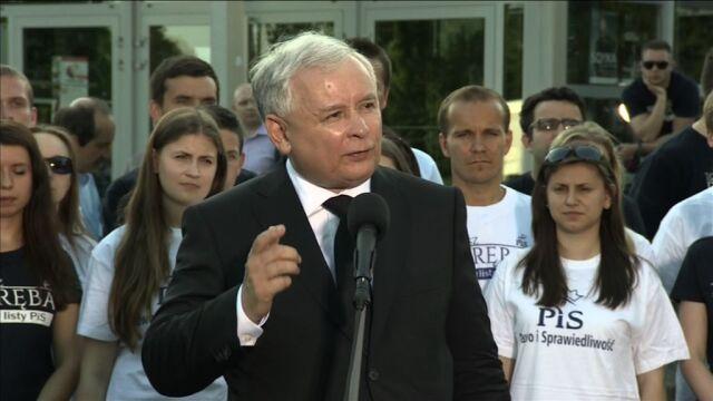 """""""PiS, PO - jedno zło"""". Kaczyński kończy kampanię wśród okrzyków"""