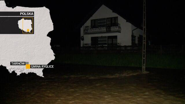 Zalane domy i drogi. Alerty pogodowe w Małopolsce