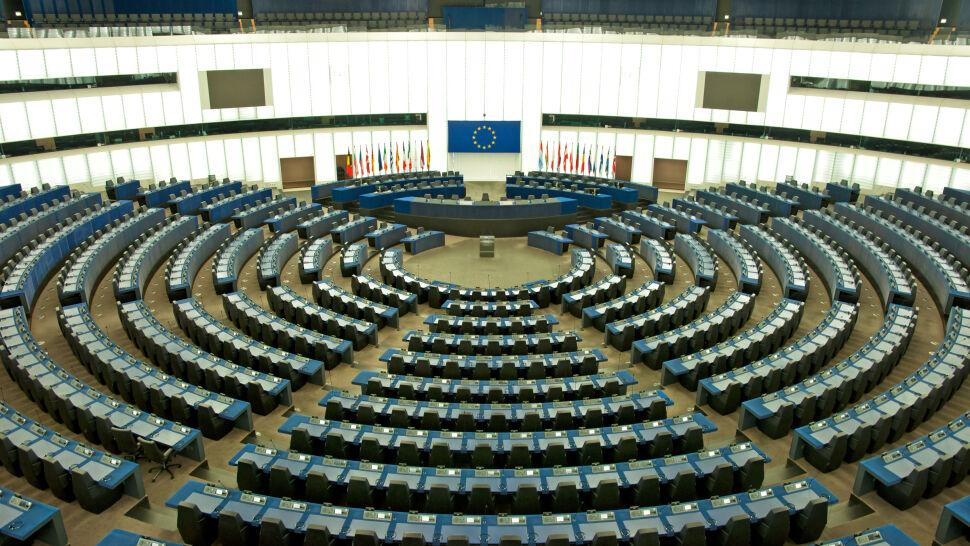 Trwają wybory do europarlamentu.  W sobotę głosują Malta, Łotwa i Słowacja