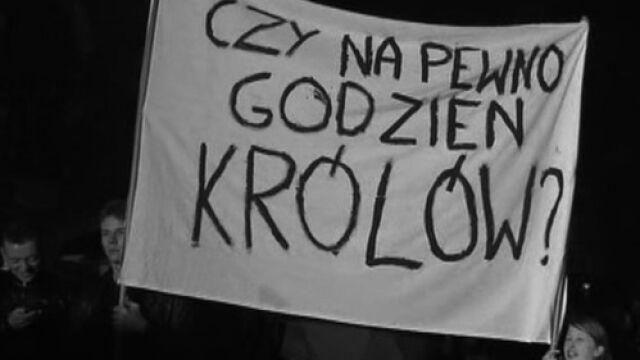 """""""Nie na Wawel! Powązki!""""  """"Ręce precz od kardynała!"""""""