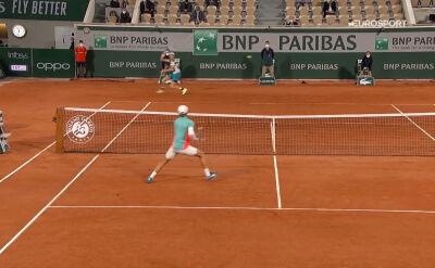 Świetne zagranie Sinnera w starciu z Goffinem w 1. rundzie Roland Garros
