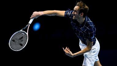 Rosyjski patent na Djokovicia. Miedwiediew już w półfinale ATP Finals
