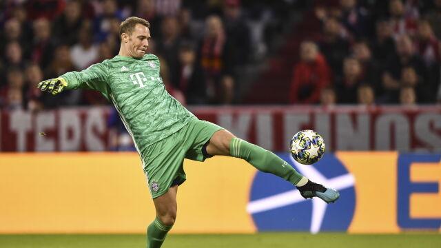 """Bayern murem za swoim bramkarzem. """"Ta dyskusja nie powinna mieć miejsca"""""""