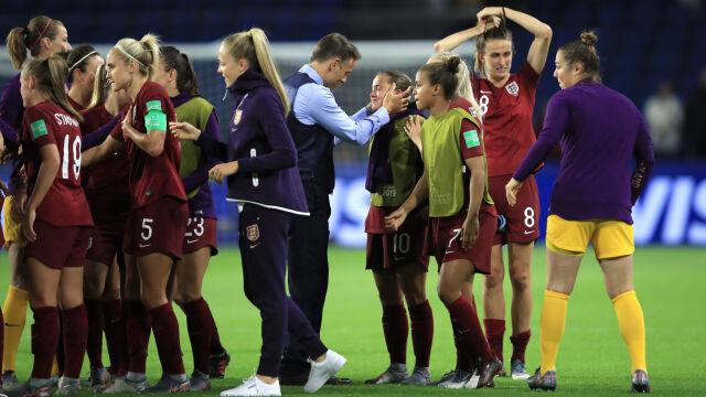 Wzruszający moment na mistrzostwach świata. Cała drużyna pocieszała angielską piłkarkę