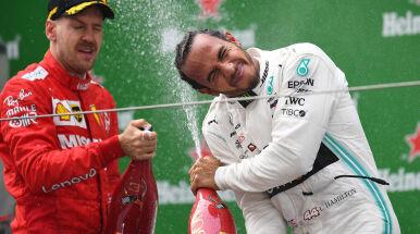 Formuła 1. Hamilton i Mercedes pędzą po mistrzostwo. Sytuacja w mistrzostwach świata