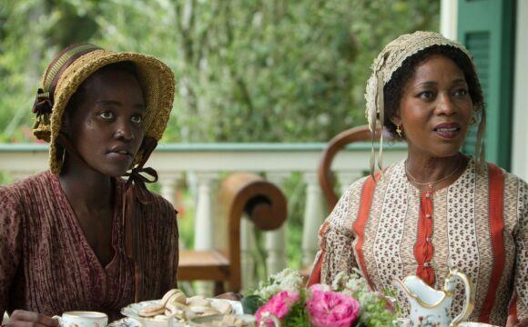 Lupita Nyong'o i Alfre Woodard
